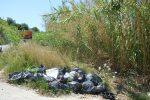 Percorso a ostacoli tra i rifiuti da Vibo Marina a Pizzo, un degrado lungo 35 chilometri