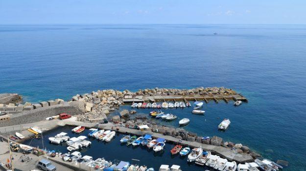 eolie, malfa, porto, regione siciliana, salina, Messina, Sicilia, Economia