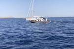 Dalla Sicilia a Malta a nuoto, l'incredibile impresa di Neil Agius