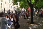 Stipendi arretrati, sit-in di protesta dei lavoratori delle mense ospedaliere di Cosenza