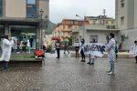 A Lamezia Terme protesta dei neolaureati in Farmacia
