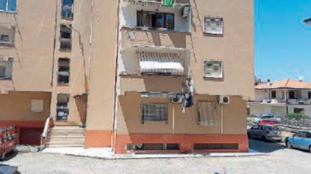 balcone, incidente, Catanzaro, Calabria, Cronaca