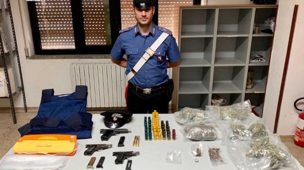 armi, droga, Catanzaro, Calabria, Cronaca