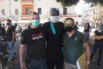 George Floyd, anche a Crotone manifestazione in piazza contro il razzismo: le foto