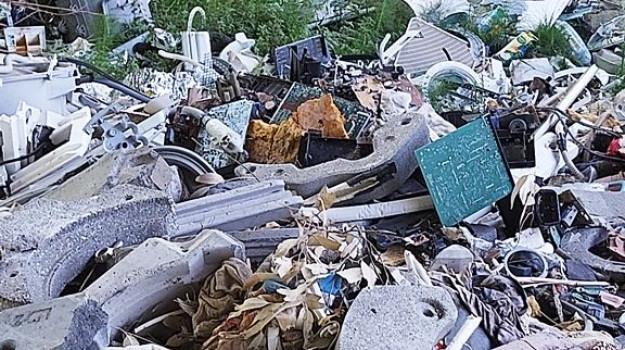 cirò, discarica, rifiuti, Catanzaro, Calabria, Cronaca
