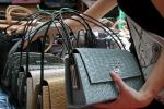 Contraffazione: Ue, 15% dei falsi colpisce aziende italiane