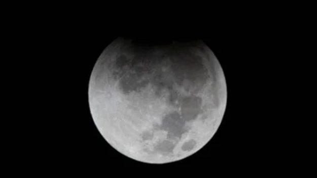 eclissi di luna, Sicilia, Società