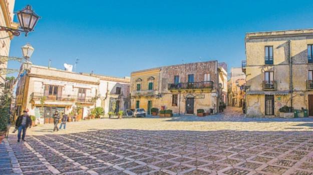 erice, fase 3, turismo, Sicilia, Economia