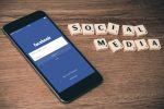 Facebook, novità contro la disinformazione: avvertirà se si condividono notizie vecchie