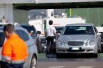 """""""Fuga"""" dalla Sicilia, traffico agli imbarcaderi di Messina dopo l'apertura delle regioni"""