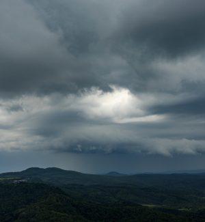 Nuova ondata di maltempo in arrivo, allerta meteo arancione sulla Calabria settentrionale