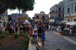 Tropea, inaugurata piazza Vittorio Veneto: assembramenti e poche regole rispettate
