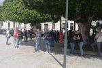 Dipendenti Avr in sciopero, raccolta ferma mentre Reggio affoga tra i rifiuti