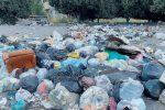 Emergenza rifiuti a Reggio, chiusi per la spazzatura i cancelli degli impianti cosentini