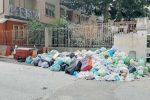 """Vibo, l'emergenza rifiuti scuote i sindaci: pronti alla """"marcia"""" sulla Cittadella"""