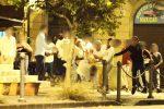 Messina, rissa nel cuore della movida: calci e pugni tra 20 giovani in piazza dei Catalani - Foto