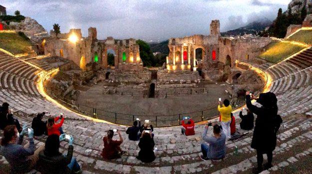 Riaprono a Taormina parco archeologico e teatro antico: oltre mille visitatori