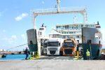 Tir in arrivo al porto di Tremestieri