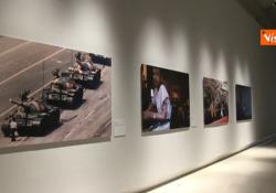 World Press Photo, per la prima volta in mostra anche le foto iconiche dal 1955 ad oggi Una selezione delle foto che hanno vinto il premio come Foto dell'Anno nelle scorse edizioni - Agenzia Vista/Alexander Jakhnagiev