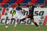 Cagliari's Marko Rog (R) and Atalanta's Luis Muriel (L) in action during the Italian Serie A soccer match Cagliari Calcio vs Torino FC at Sardegna Arena stadium in Cagliari, Sardinia island, Italy,5 July 2020 ANSA/FABIO MURRU