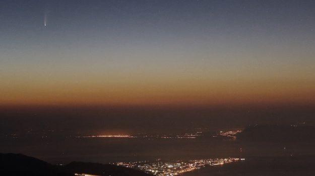 cometa, stretto di messina, Messina, Sicilia, Cronaca