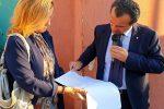"""Messina, De Luca chiude l'hotspot di Bisconte: """"Il Ministero ha 5 giorni per sgomberarlo"""""""