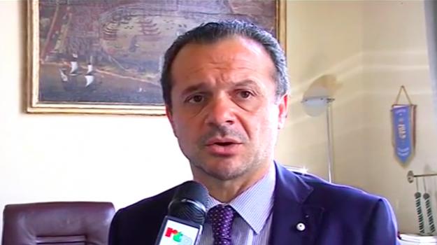 disabili, regione sicilia, Cateno De Luca, Nello Musumeci, Messina, Sicilia, Politica