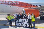 Easyjet scommette sulla Calabria, atterrato il primo volo da Ginevra a Lamezia