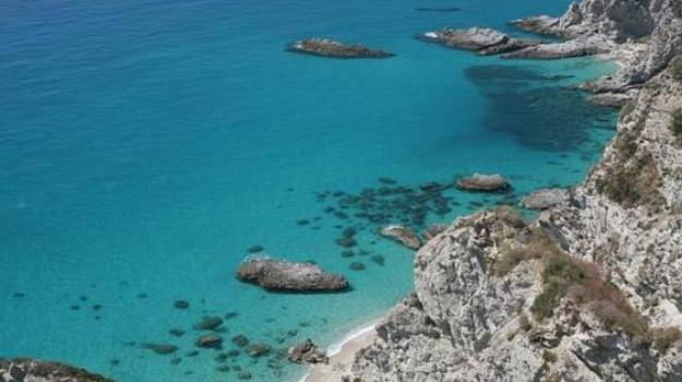locride, spot, Calabria, Politica
