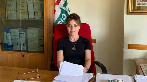 lavoro, Giovanna Bicchieri, Messina, Sicilia, Economia