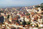 Rifiuti e degrado, le vie del centro storico di Lamezia in stato di abbandono