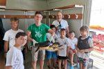 Crotone, tartaruga marina salvata da un giovane del club velico