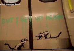Banksy «colpisce» ancora: i suoi topi pro-mascherina nella metro a Londra La sua nuova opera si chiama «If you don't mask, You don't get» - Ansa