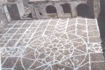 Rosa dei venti, stemma o calendario? Il mistero sul lastricato del Castello di Cirò