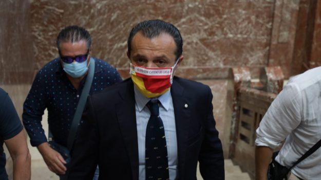 coronavirus, migranti, Cateno De Luca, Nello Musumeci, Messina, Sicilia, Politica