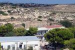 Lampedusa, negativi i primi 10 tamponi sui 25 migranti positivi ai test sierologici
