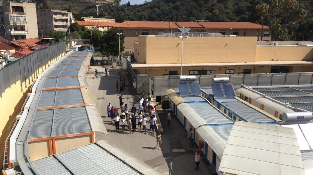 hotspot, migranti, Messina, Sicilia, Cronaca