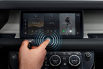 "Jaguar Land Rover, nuovo touchscreen contactless ""antivirus"""