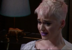 Katy Perry: ho pensato al suicidio - Corriere Tv