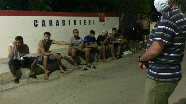 migranti, tunisia, Luciana Lamorgese, Sicilia, Politica
