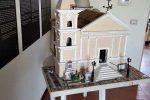 Cirò, donato al museo un plastico della chiesa di Santa Maria de Plateis
