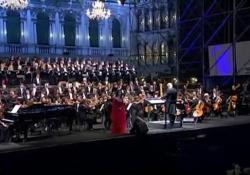 """Morricone in concerto a Venezia: le note di """"C'era una volta il West"""" Il concerto diretto dal Maestro il 10 novembre 2007 - Corriere Tv"""