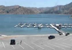 Naya Rivera, l'ultimo video prima della scomparsa Lo Sceriffo della Contea di Ventura ha diffuso le immagini della videocamera di sorveglianza che mostrano l'arrivo dell'attrice al lago - Corriere Tv