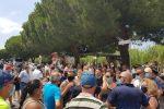 Migranti positivi al Coronavirus ad Amantea, la tensione resta alta: arriva l'esercito in città