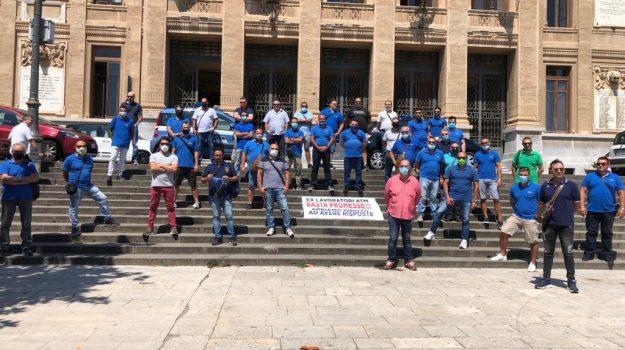atm, lavoro, protesta, Messina, Sicilia, Economia