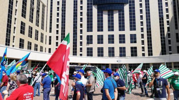 """Sanità calabrese nel caos, incontro tra sindacati e Regione: """"Impegno nel dialogo"""""""