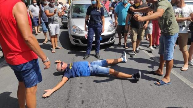 migranti, proteste, Mario Pizzino, Cosenza, Calabria, Cronaca