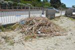 Discariche vista mare, viaggio fra le spiagge calabresi: il degrado da Vibo Marina a Bivona