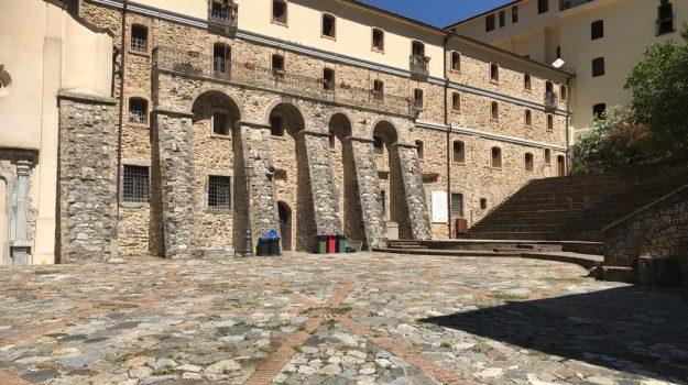 San Luca, viaggio nel silenzio