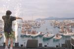 Sardegna, la musica dal vivo riparte dal mare: grande successo per Salmo e Ghali su un palco galleggiante